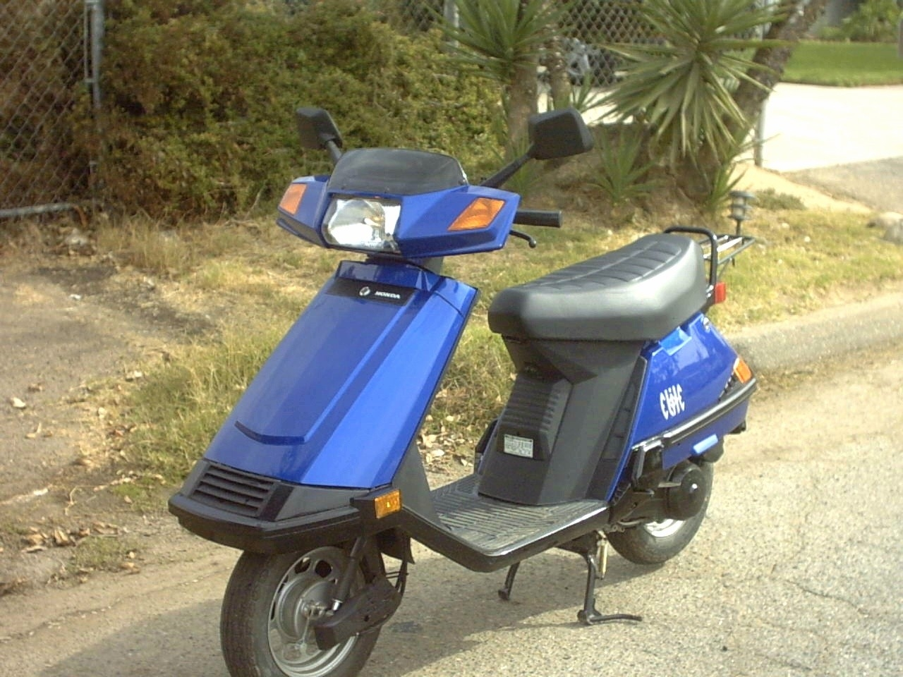 How Many Ccs Does The Honda Elite 80 Have Please Help Asap 1982 Suzuki Moped Scooter
