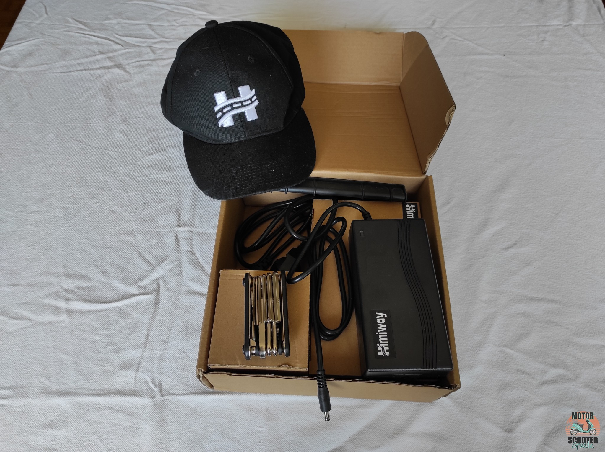 Extra box contents that came with the Himiway Cruiser