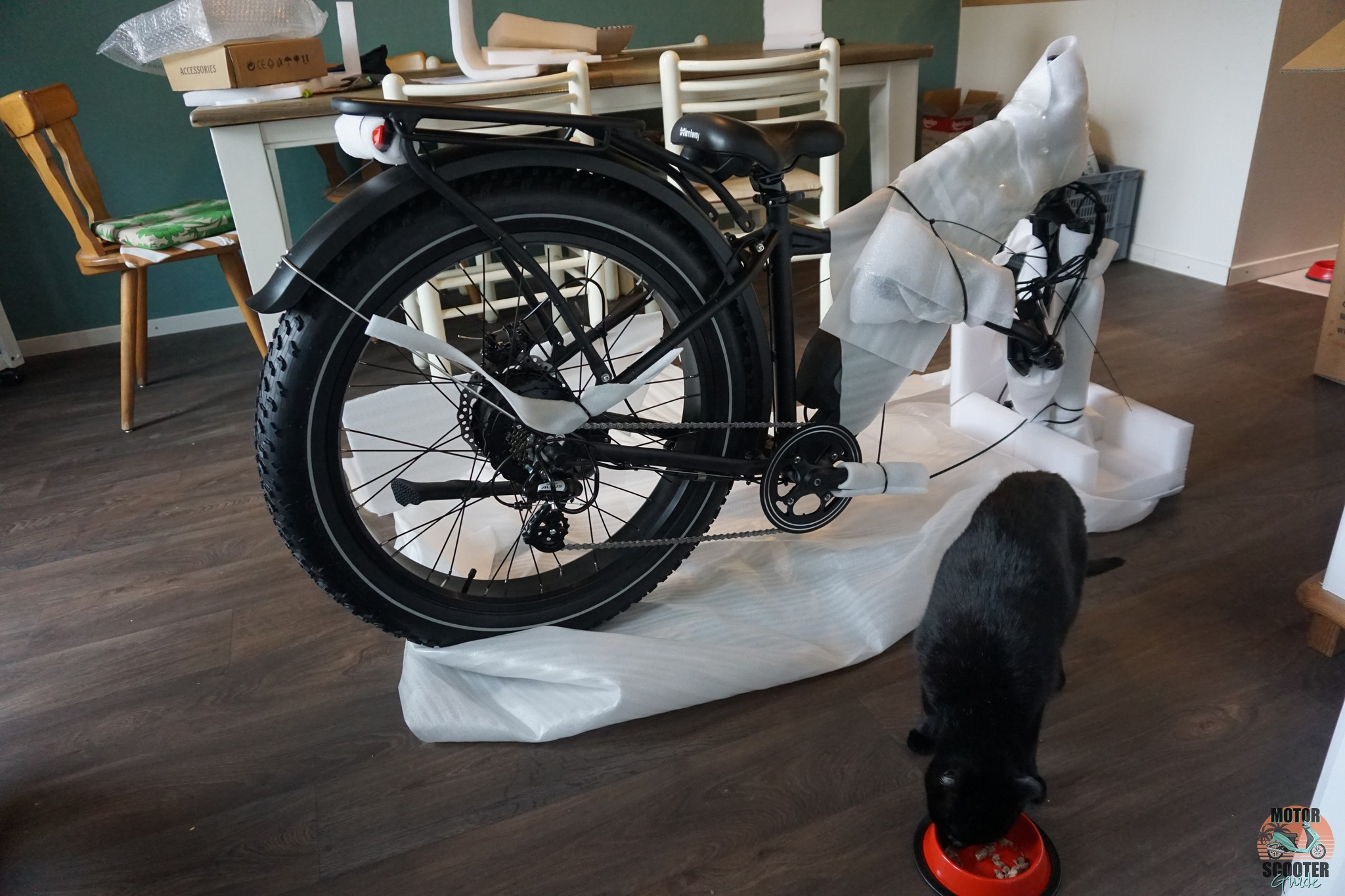 Half assembled Himiway Cruiser without front wheel