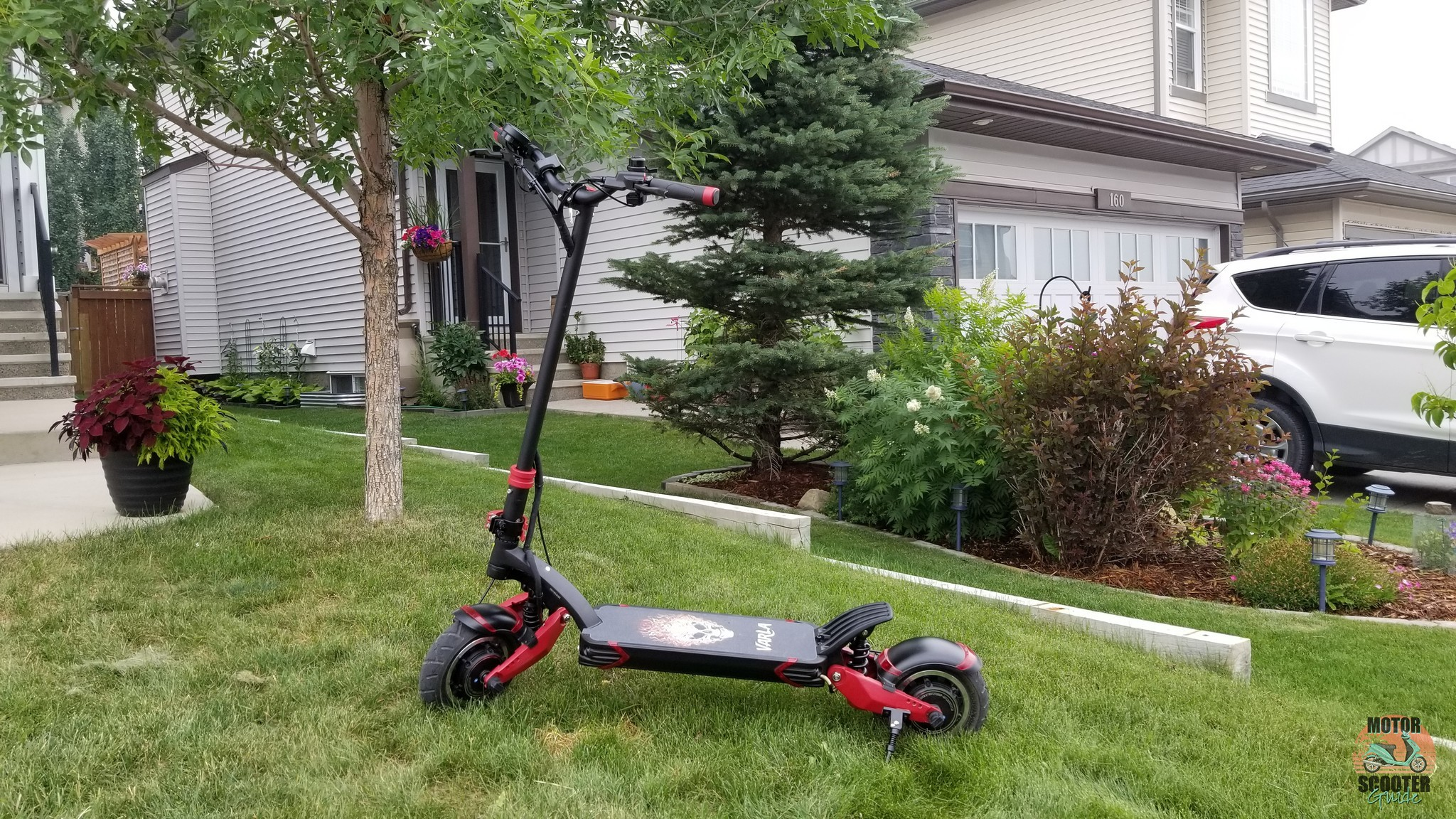 Fully assembled Varla Eagle One on front lawn