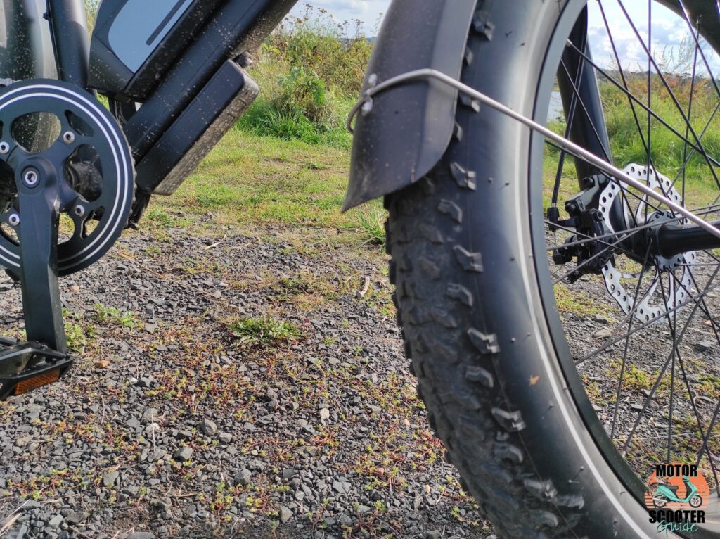 A closeup of the front Himiway Cruiser tire