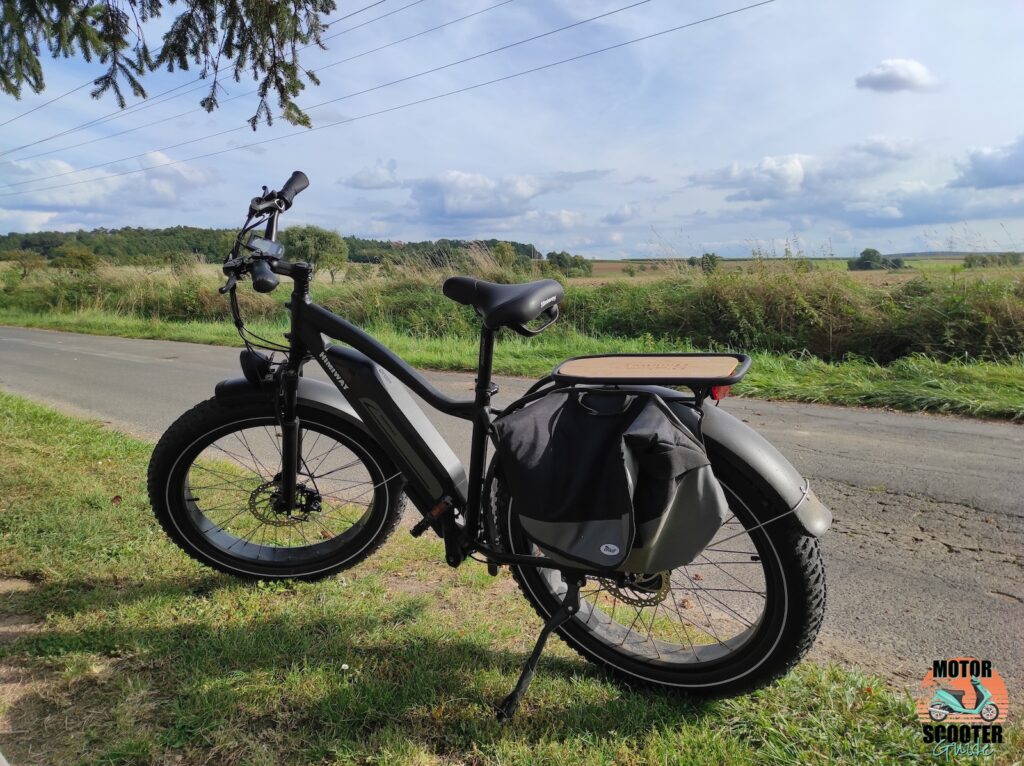 Side view of the 2021 Himiway All-Terrain Cruiser with saddlebag